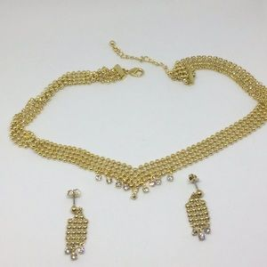Gold tone necklace gift set